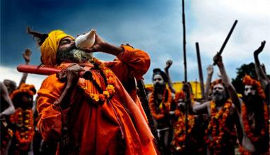 Забрана за селфита по време на фестивал в Индия
