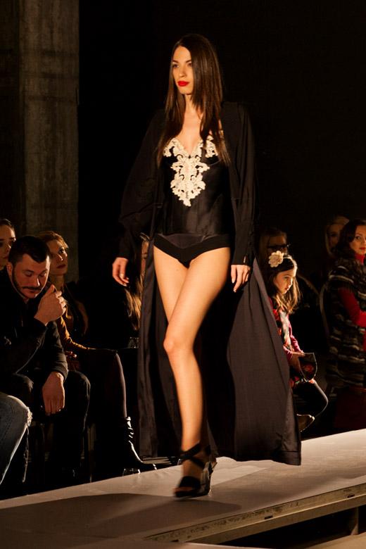Paradise-a-porter ревю представи модните тенденции за  Пролет-Лято 2015