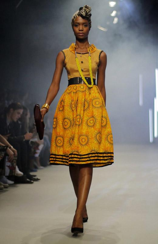 Модни тенденции: Цветът и аксесоарът на Лято 2015