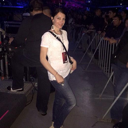 София Борисова облече певиците на Слави Трифонов за грандиозния концерт