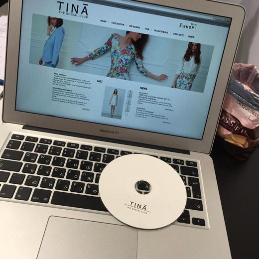 Модната сцена на TINĀ SOCIAL CLUB е Париж!