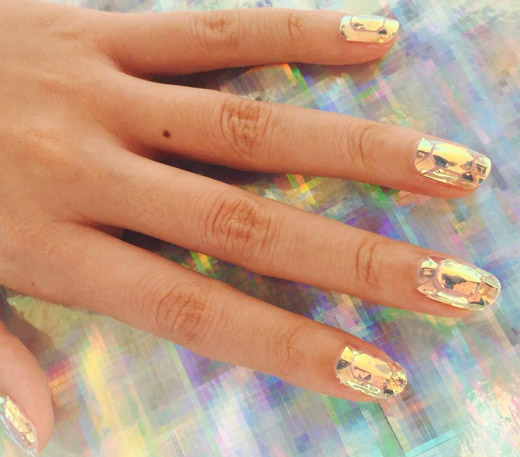Fall-Winter 2015/2016 Trends: Shattered Glass Manicure