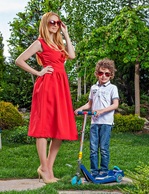 Мисис България Йордана Димитрова в лятна фотосесия с децата си