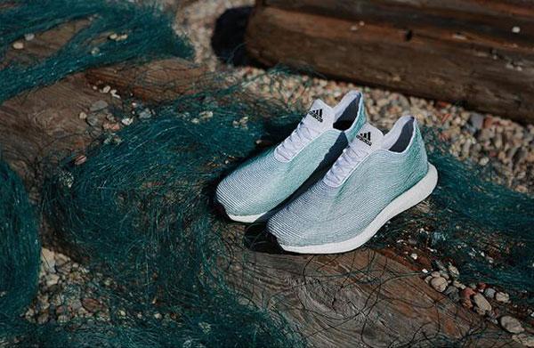 adidas представи първата в света обувка, изработена от рециклирани океански отпадъци
