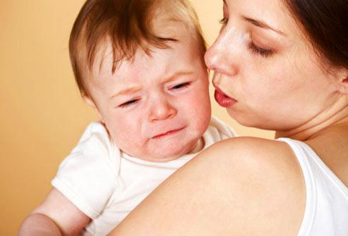 Защо масово майките пропушват отново след като родят?