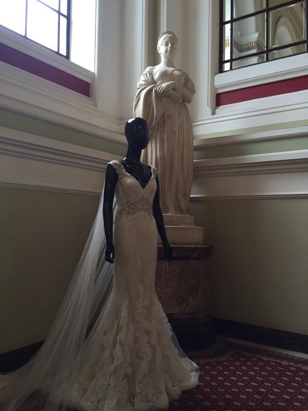 Badgley&Mischka представи колекция 2017 в Бирмингам