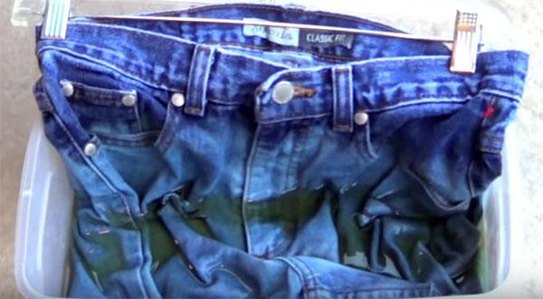 Превърнете чифт от старите си дънки в нещо модерно