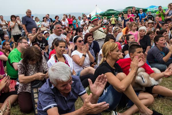 Хиляди аплодираха Николина Чакърдъкова на финала на Ирин Пирин - Съборът на Югозапада