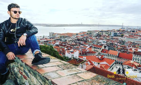 Роден модел изгря в португалската преса
