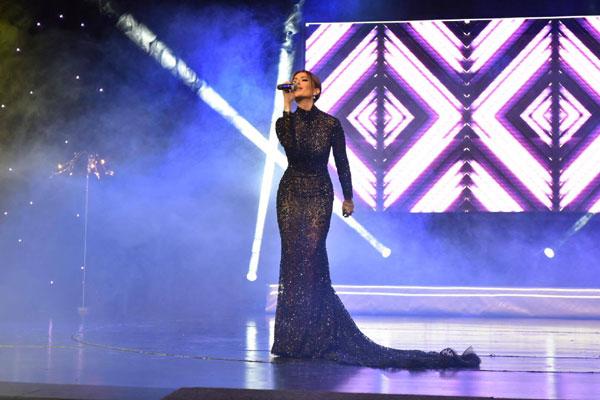 Енджи Касабие с приз Най-звездна сватба за 2016