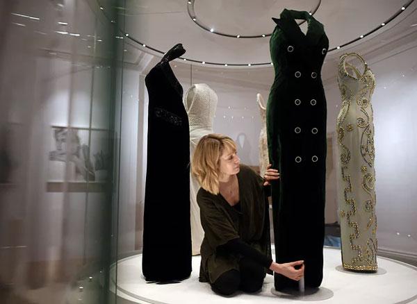 Рокли на Лейди Даяна на изложба