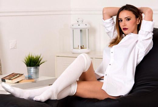 Марина Кискинова засне фотосесия с барбарони