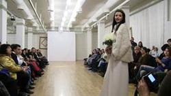 """Студентите от специалност """"Мода и мениджмънт в модата"""" показаха своите творчески проекти"""