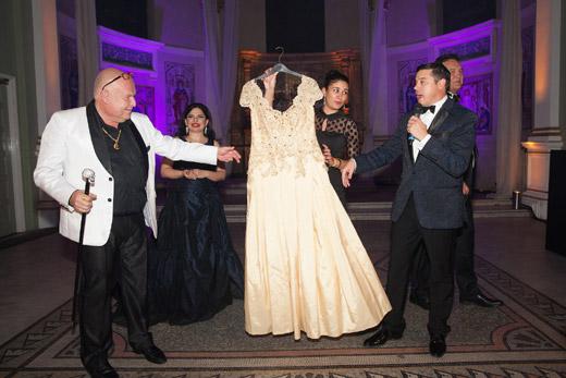 Продадоха рокля на София Борисова за 11 000 Евро на благотворителен търг в Лондон