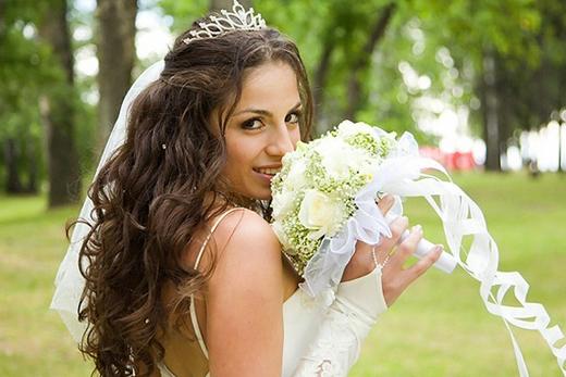 Грешките на булките при избора на сватбена прическа