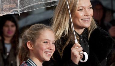 Кейт Мос пази най-хубавите си дрехи за дъщеря си