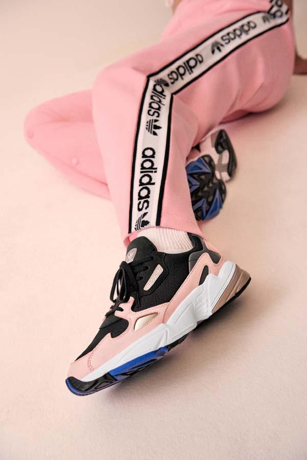 adidas Originals представя колекцията Falcon с участието на Кайли Дженър