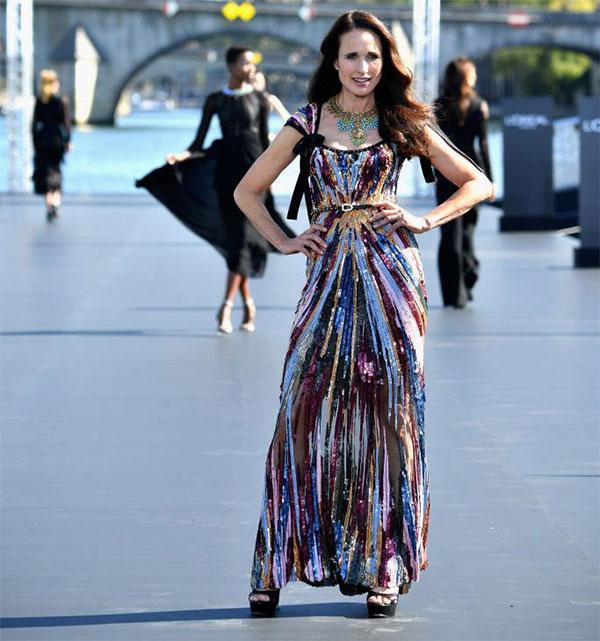 Актрисата Анди Макдауъл отново на модния подиум