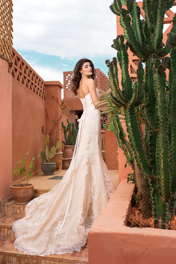 Екзотична фотосесия в Маракеш, с роклите на Sherri Hill и San Patrick & White One, представени от Брилянтин