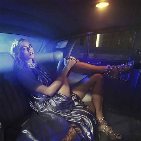 Моделът Кара Делевин със зашеметяваща фотосесия за Jimmy Choo