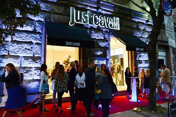 Just Cavalli откри нов монобранд бутик в центъра на София