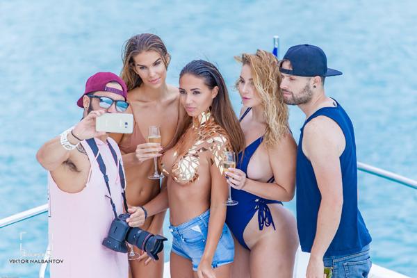 Горещо Code Fashion Party със световни модели