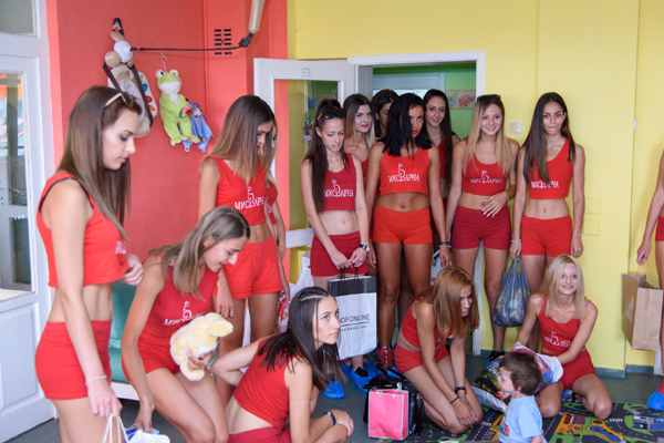 Претендентките за титлата Мис Варна 2017 - специални гости на DINNER IN THE SKY