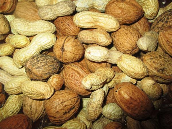 Фъстъците и орехите - естествените стимуланти за нашия мозък