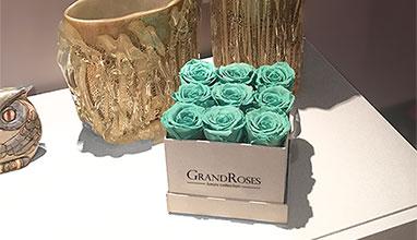 Романтика и аристократизъм в интериора с дизайнерски вечни рози