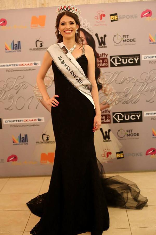 Miss Top of the World People's Choice с Tоалети от Bridal Fashion
