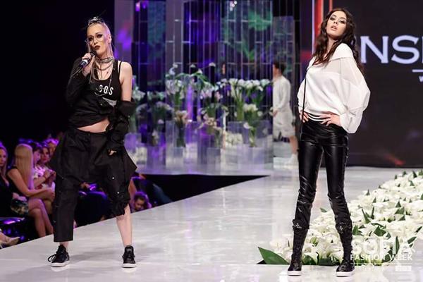 Ултра модерните InsideUs - актуален хит на Sofia Fashion Week