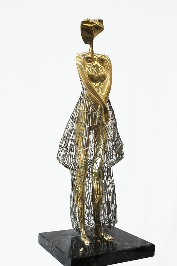 Роклите на Живко Седларски - скулптури с душа
