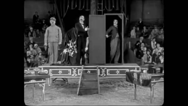 Внучка на Чарли Чаплин вдъхновява