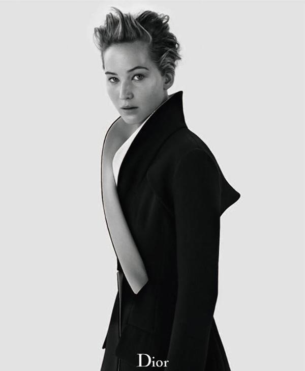 Дженифър Лоурънс без грим в най-новата си кампания за Dior