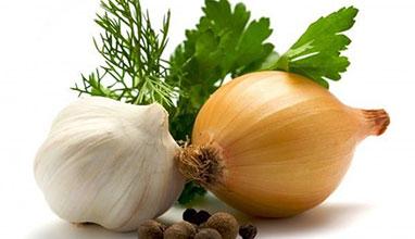 Лукът и чесънът са незаменими по време на диета