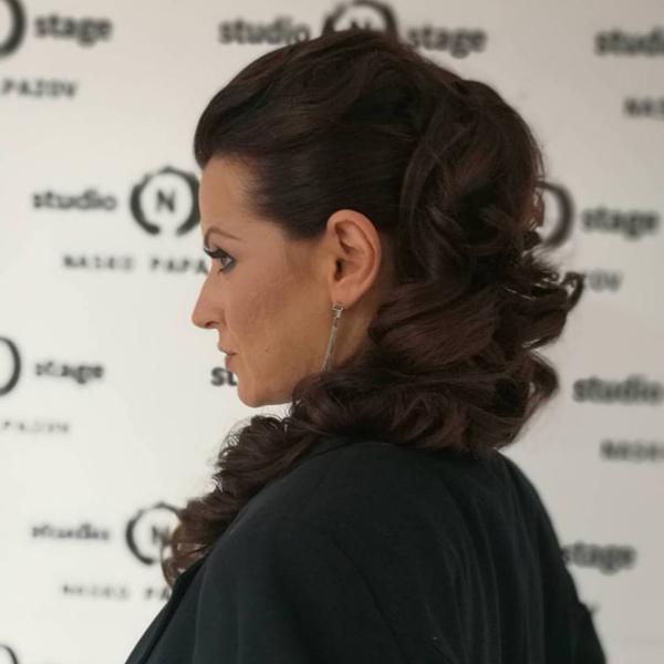 Коафьорът Наско Папазов: Неправилното миене на косата я уврежда