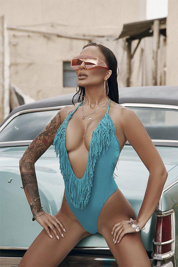 Николета Лозанова със собствен бранд за бански костюми