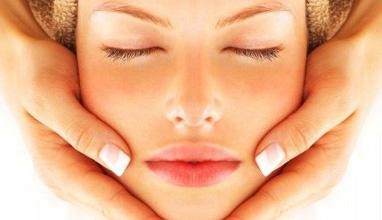 Как да избегнем нежелани последствия от пилинга и за какво трябва да послушаме нашия козметик