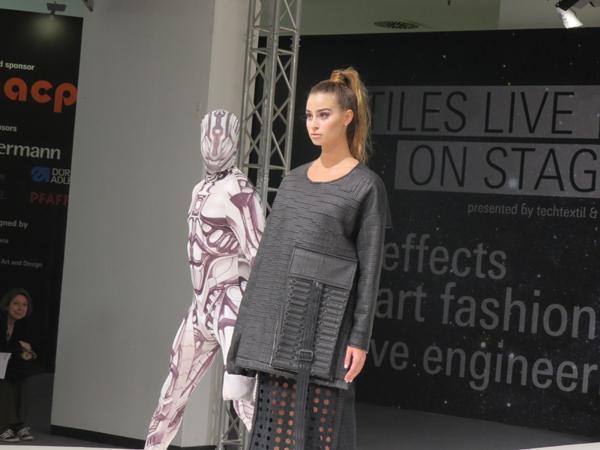 Иновативно модно ревю на Techtextil: Умна мода на подиума