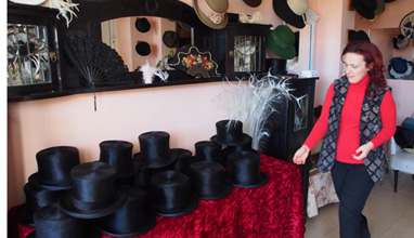 Шапки произведени от българка се носят в Холивуд