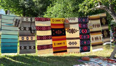 Над 120 майстори занаятчии и над 3000 посетители в първия ден на XV Международен панаир на традиционните занаяти в Етъра