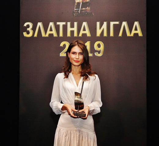 "Зорница Димитрова получи наградата на Desizo Monni – ""Модна къща на годината""за 2019-та."