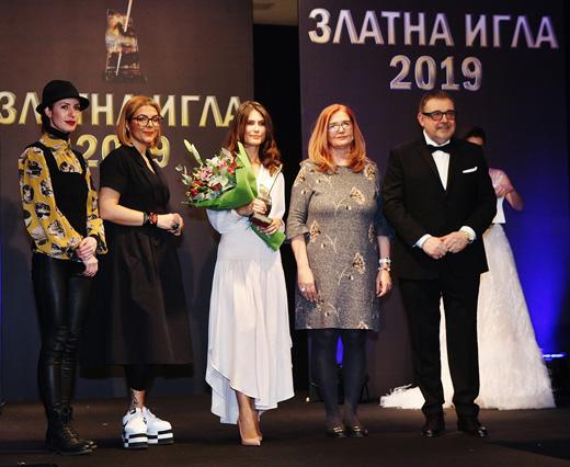 Проф. Любомир Стойков, Олга Сандова, Зорница Димитрова, Антония Йорданова и Кристина Бъчварова по време на церемонията.