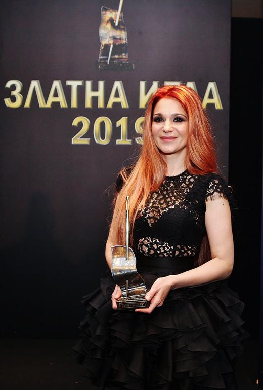 """Невена Николова – """"Дизайнер на годината""""."""