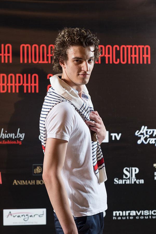 Варна Мол представя за първи път в България – AVVA - мъжка модна империя