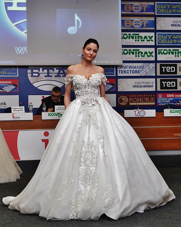 Радослава Лазарова показа уникална авторска дантела