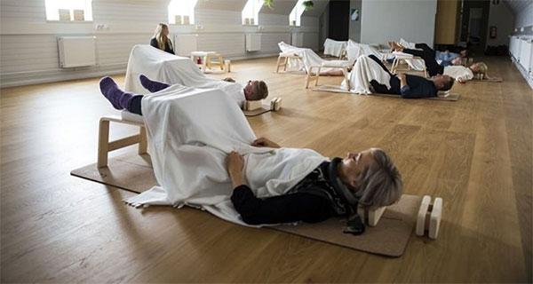 Сънят на работното място официално е одобрен във Финландия
