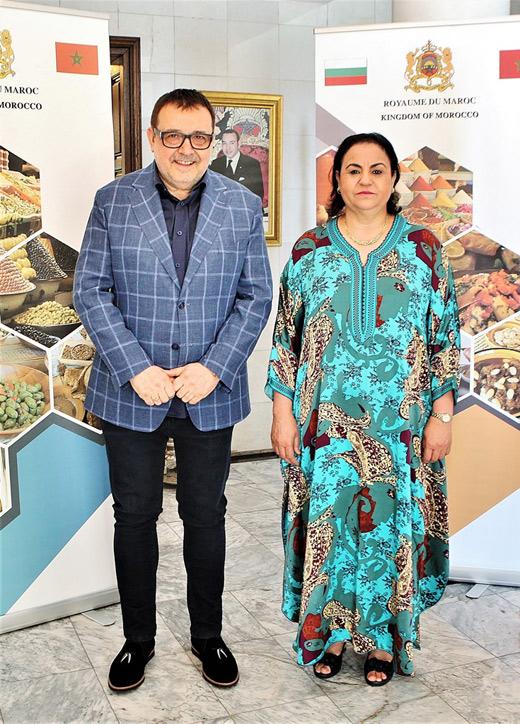 Проф. Любомир Стойков и Н.Пр. г-жа Закия Ел Мидауи.