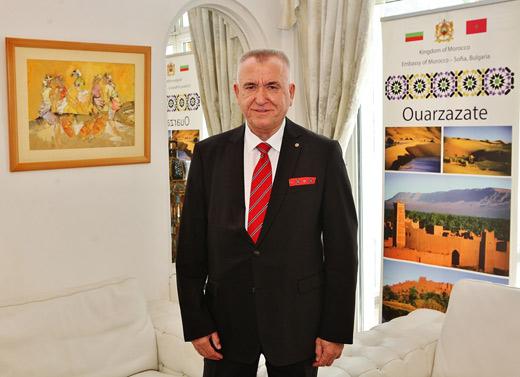 Аспарух Карастоянов – председател на Мароканско-българската търговско-промишлена палата и почетен консул на Кралство Мароко в България.