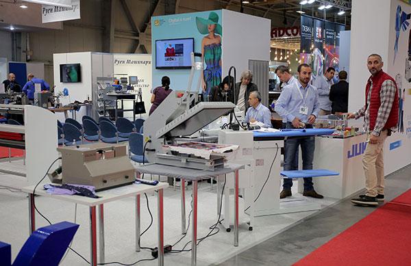Внушителни и изпълнени с технологии – машините за текстилно производство